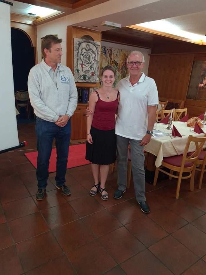 Verleihung der großen goldenen Ehrennadel mit Lorbeerkranz (v.l.n.r. A. Schramm, M. Kalina, G. Gabler)