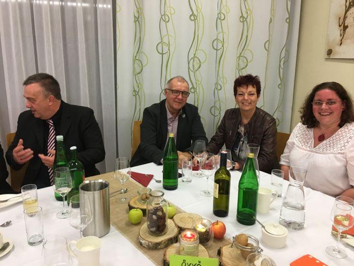 Sven Röhl, Gerhard Gabler, Finanzreferent, Regina Gabler und MMag. Barbara Pachner, Medienreferentin