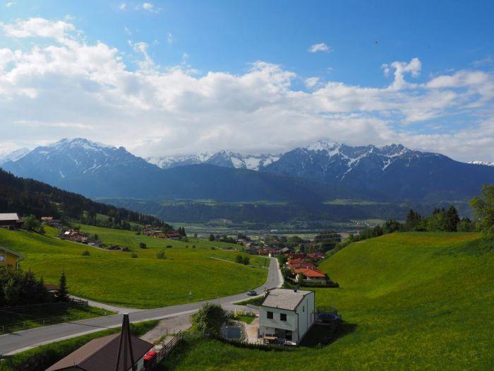 Schöne Aussicht auf den Beginn der Nordkette Tirols